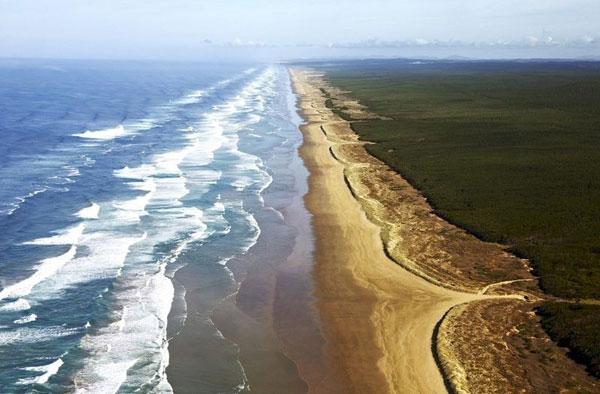 "perierga.gr - ""Ατελείωτη"" παραλία 151 χιλιομέτρων!"