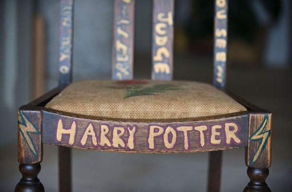 perierga.gr - «Χρυσάφι» πουλήθηκε η μαγική καρέκλα της συγγραφέως του Χάρι Πότερ!