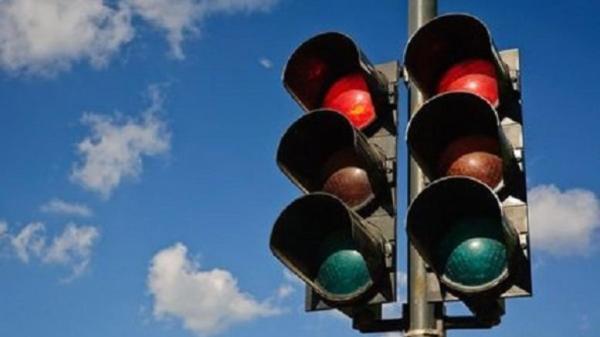 perierga.gr - Γιατί τα φανάρια έχουν πράσινο, κόκκινο και πορτοκαλί χρώμα;
