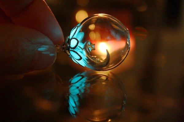 perierga.gr - Κοσμήματα που φωσφορίζουν στο σκοτάδι!