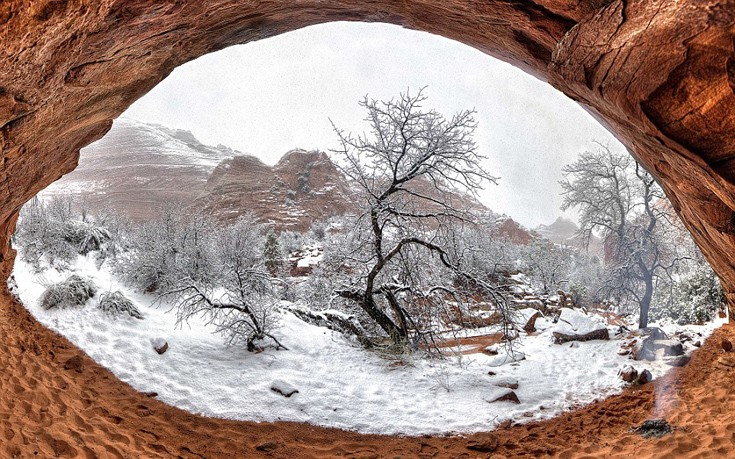perierga.gr - Υπέροχα τοπία μέσα από τις... κλειδαρότρυπες της φύσης!