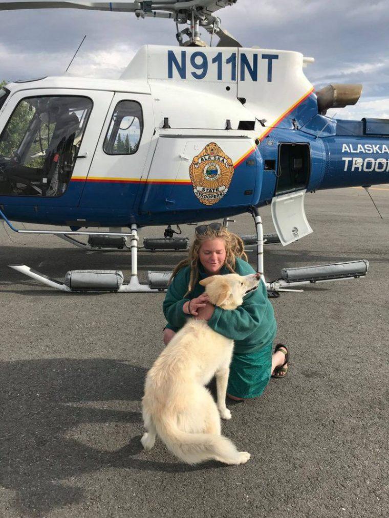Perierga.gr - Χάσκι έσωσε πεζοπόρο στην Αλάσκα