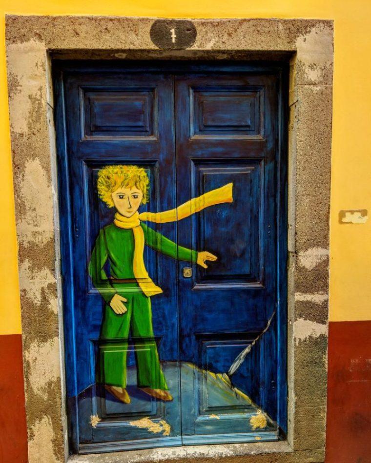 "Perierga.gr - Οι πόρτες ""πίνακες ζωγραφικής"" της πορτογαλικής Μαδέρα"