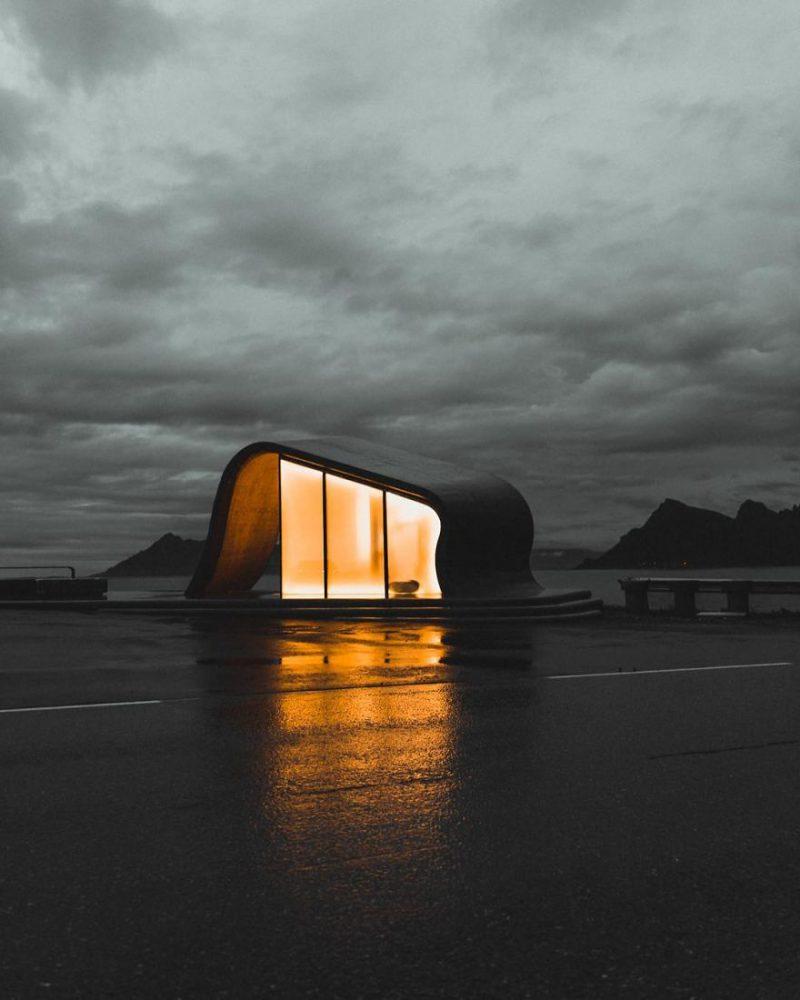 Perierga.gr - Το κτήριο που βλέπετε είναι δημόσια τουαλέτα στη Νορβηγία!