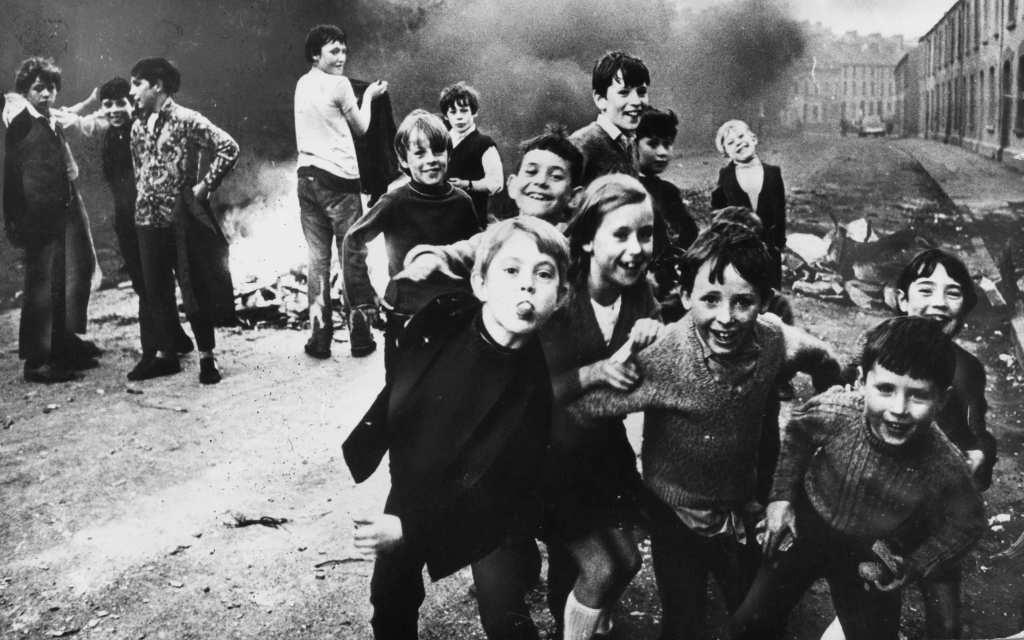 irlanda-religion-catolico-catolicismo-cristianismo-reforma-contrarreforma-protestantismo-historia-viajes-isla-esmeralda-Inglaterra-reino-unido-republica-nacionalismo-young-ireland-fenianos-hermandad-republicana-irlandesa-charles-stewart-parnell-liga-nacional-home-rule-alzamiento-pascua-1916-eamon-de-valera-sinn-féin-IRA-Provisional-Original-Irish-Republican-Army-the-troubles-los-problemas-arthur-griffith-terrorismo-terroristas-estado-libre-home-rule-ulster-irlanda-del-norte-ulster