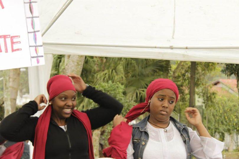 Mulher negra periférica resiste pela cultura