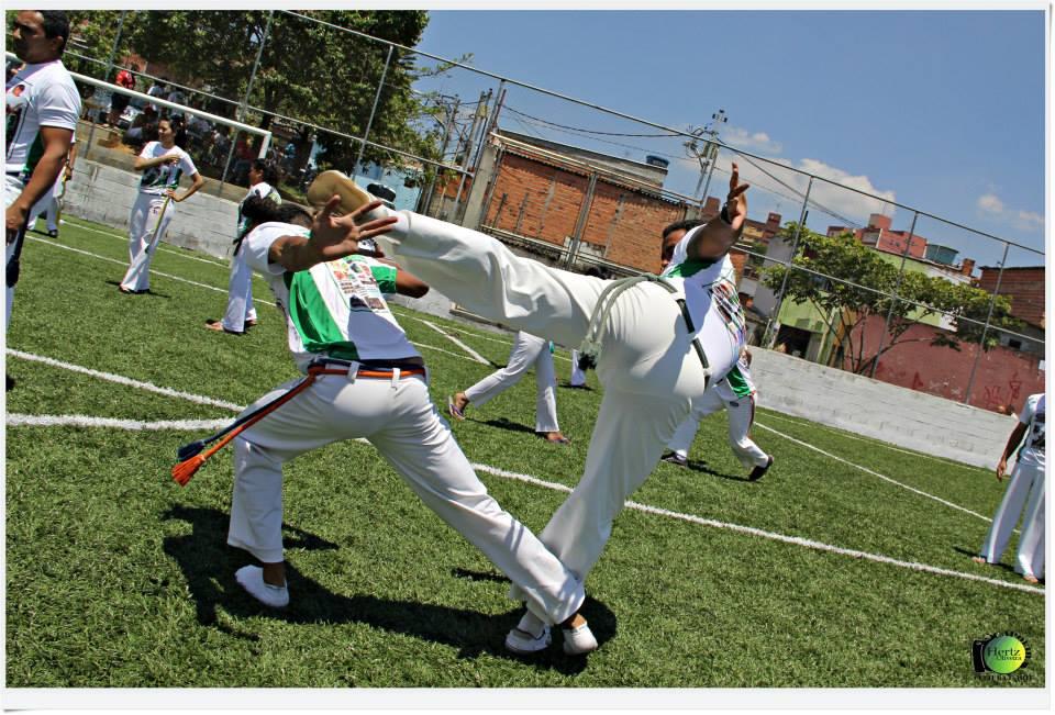 Capoeira como instrumento de resistência em favela de Interlagos
