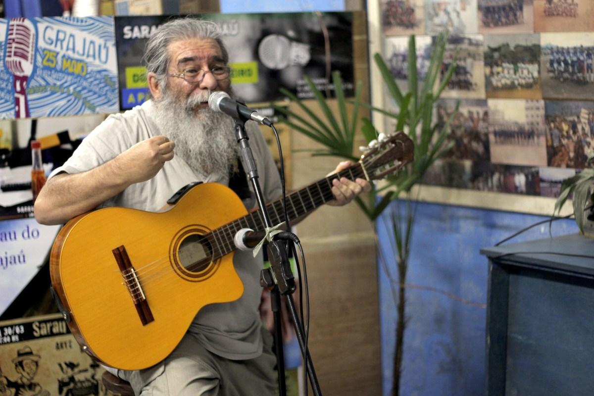 """Sarau do Grajaú: """"Melhoramos nossa poesia e a poesia melhora a gente"""""""