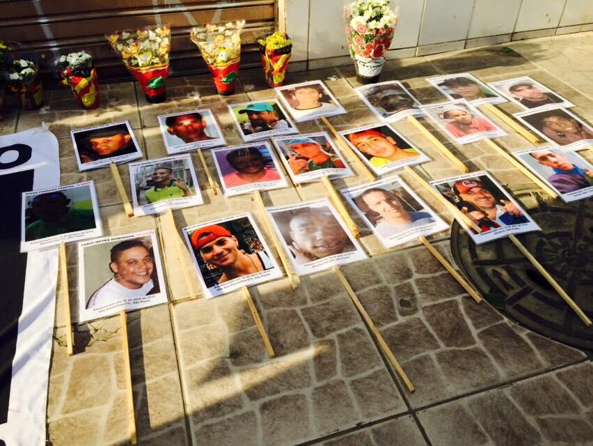No domingo (16 de agosto), um ato em frente ao bar onde dez pessoas foram assassinadas pediu justiça e paz nas quebradas (Foto: UEO)