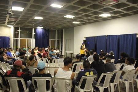 Debate realizado no CEU Parelheiros, durante a programação do Mês do Hip Hop (Foto: Thiago Borges / Periferia em Movimento)