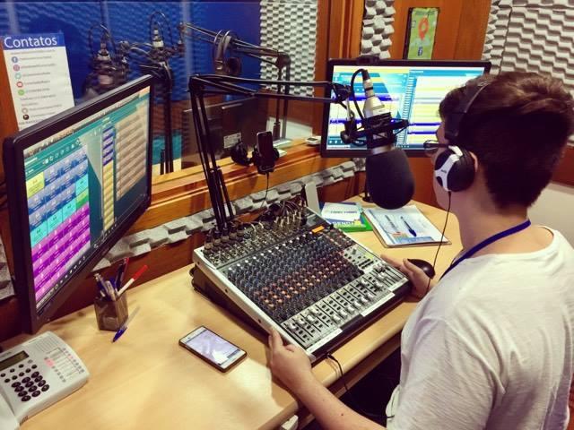 Projeto abre inscrições para oficinas gratuitas de rádio e locução esportiva no Ipiranga