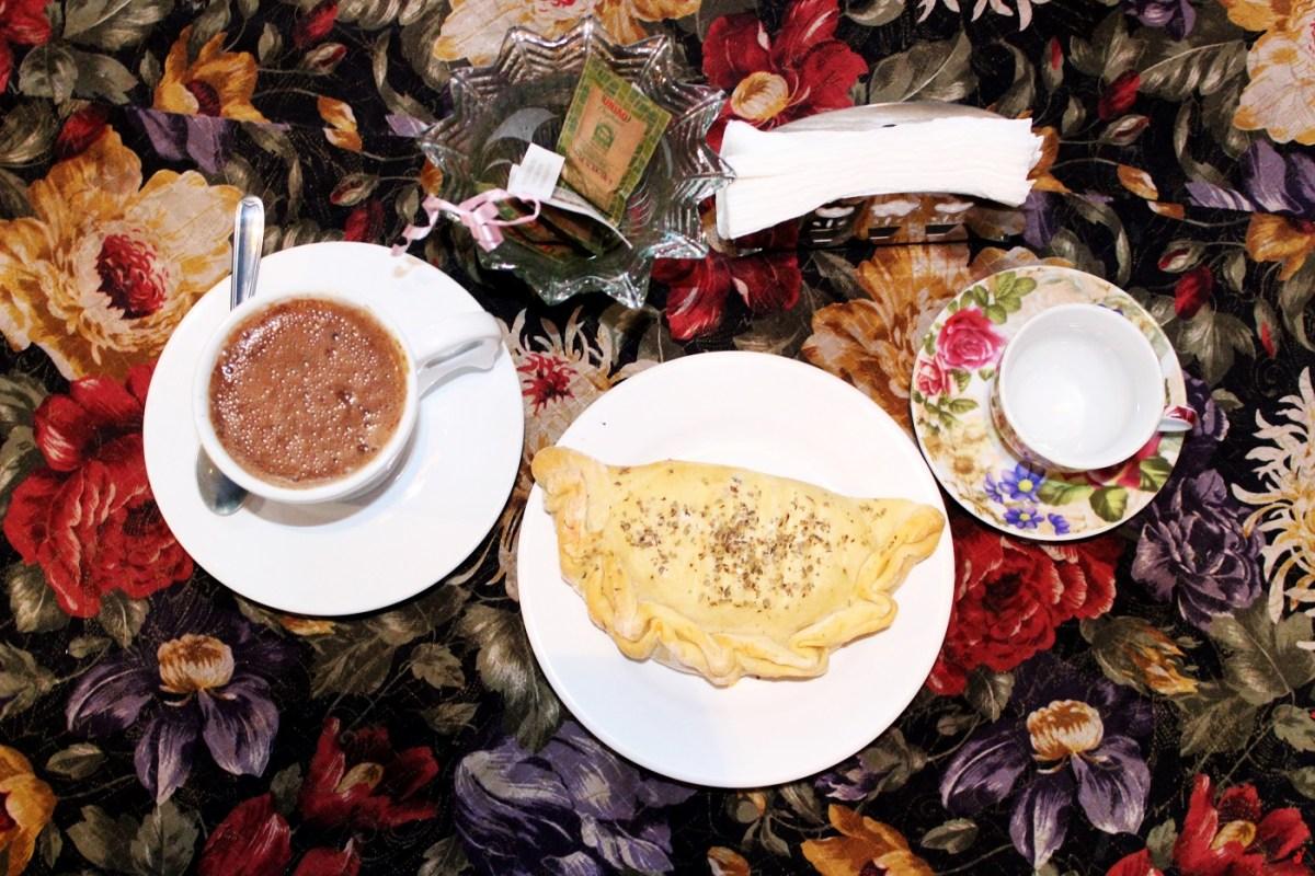 Pães artesanais, cafés da manhã agendados e o delicioso Capão de mel