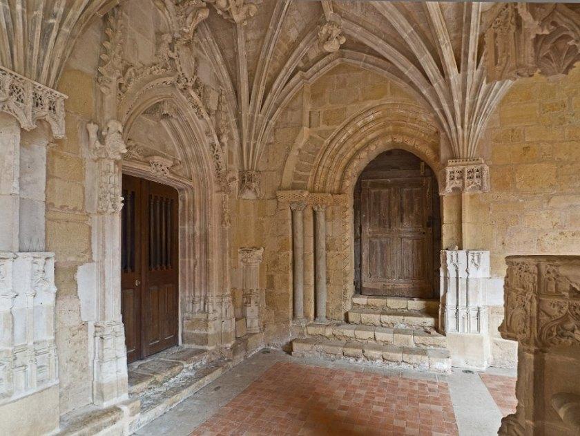 Porte romane datant du XIIe siècle