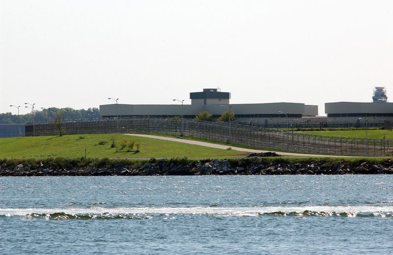 Attack on Guards at Rikers Island, New York