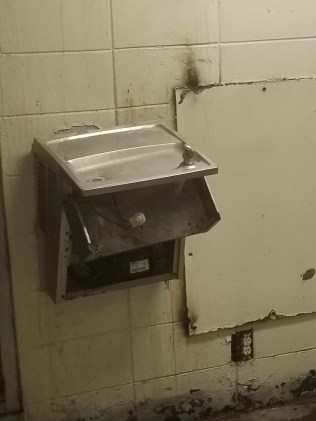 Water leaks from wall into dayroom at MSP Parchman (Photo Source: Mississippi State Department of Health).