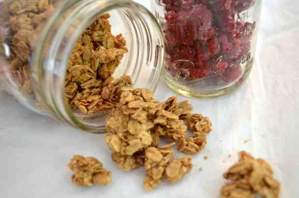 granola in a jar makes a great food gift