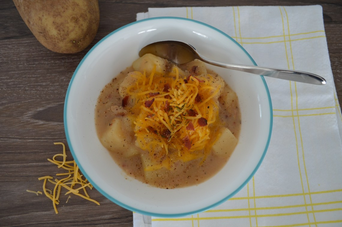 potato soup with cheese and bacon