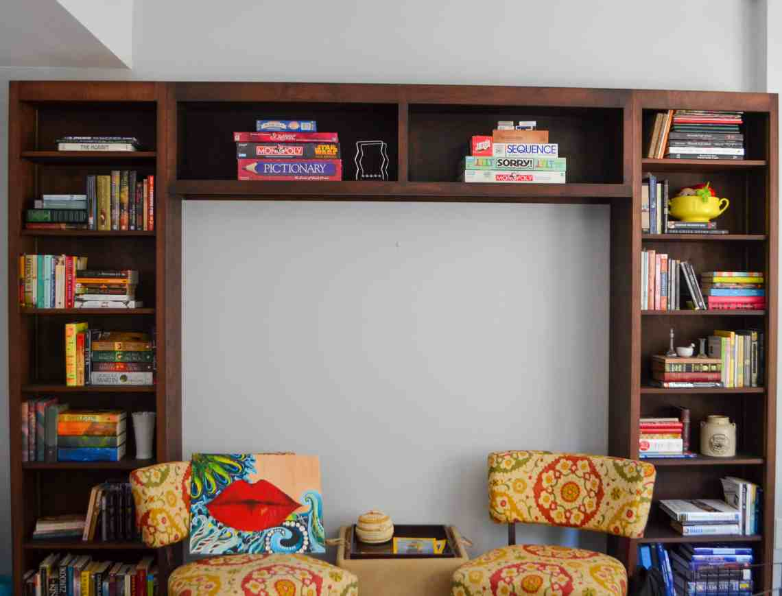 Hanging a canvas can be tough, but there's an easy damage free way to do it.