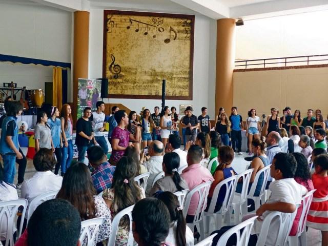 Son más de 200 jóvenes, estudiantes y paulatinamente adultos los que tendrán el acceso al salón musical y sus diversas actividades. /FOTO JUAN JOSÉ JAIMES CHAPARRO.