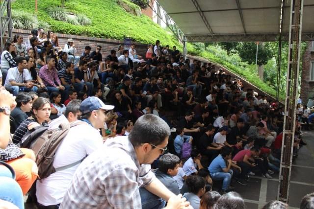 El evento duró aproximadamente dos horas y contó con la participación de ciudadanos y estudiantes. FOTO : PABLO FUERMAN.