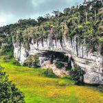 Caverna El Caracol. En su interior se pueden encontrar cascadas de agua, diversidad de plantas y especies animales. Una de las principales preocupaciones de los investigadores es la invasión de saqueadores en busca de restos fósiles. / FOTO ANDRÉS ROMERO