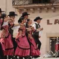 "Villanueva ""baila"" a ritmo de danzas tradicionales de Coahuila"