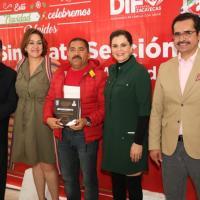 Trabajadores de SEDIF son reconocidos X años de Servicio