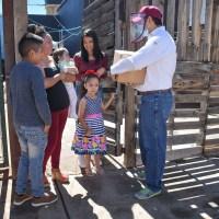 Lleva Julio César apoyos alimentarios a Villas de Guadalupe, a afectados por lluvias
