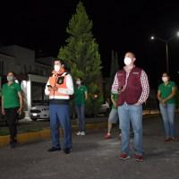 Julio César prende circuitos de alumbrado público en Fraccionamiento Gardenias