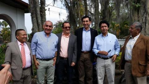 MINISTRO-DE-LAS-TICS-CON-CONGRESISTAS