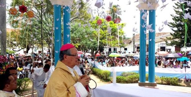 Fiestas-Niña-Maria-de-Caloto-monseñor-Iván-Antonio-Marín