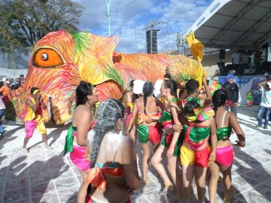 Carnavales-de-Negros-y-Blancos-Balboa-Cauca- 2 (1)