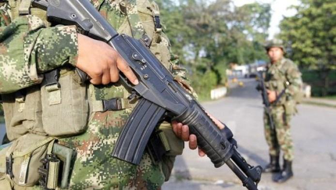 gm1ea3g1shv01_rtrmadp_3_colombia-election_soldados_colombia-600_1438703101