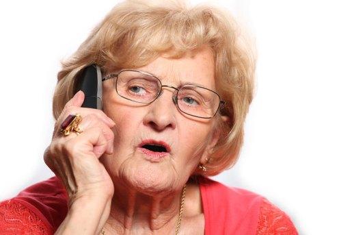 anciana-con-telefono1