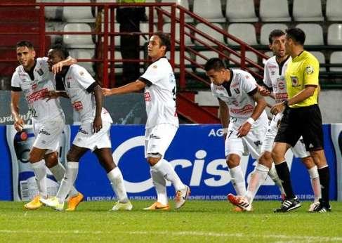 once-caldas-vs-deportivo-pasto-2015-liga-aguila_6dpdgd8e50ik1g6fwx81uuap0
