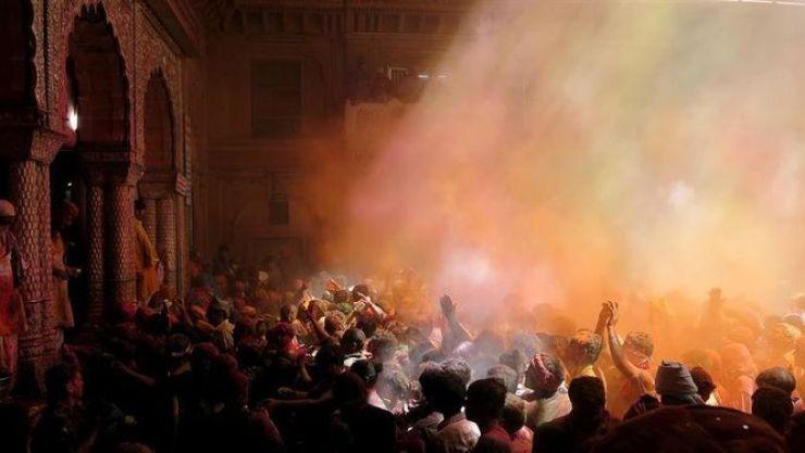 muertos-incendio-templo-India_906219541_10959141_667x375