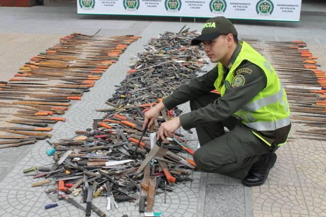 2-200-armas-blancas-incautadas-en-caldas