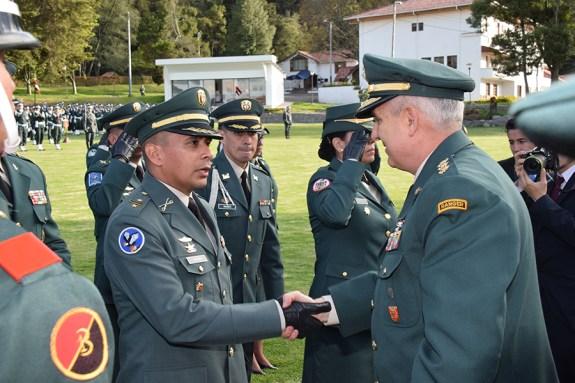 ceremonia de ascenso Ejército Nacional 2015 (2)