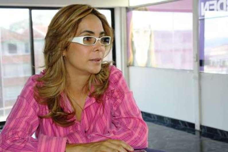 gina_parody_entrevista20110518121420