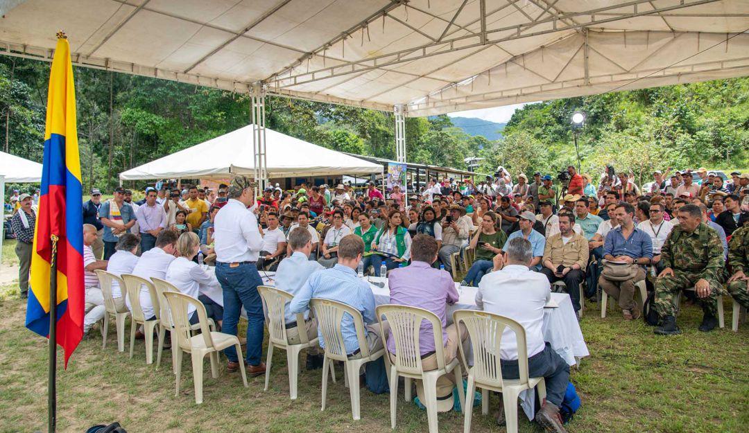 Duque se reunió con excombatientes de la Farc en el Caquetá – Periodico La  Ultima