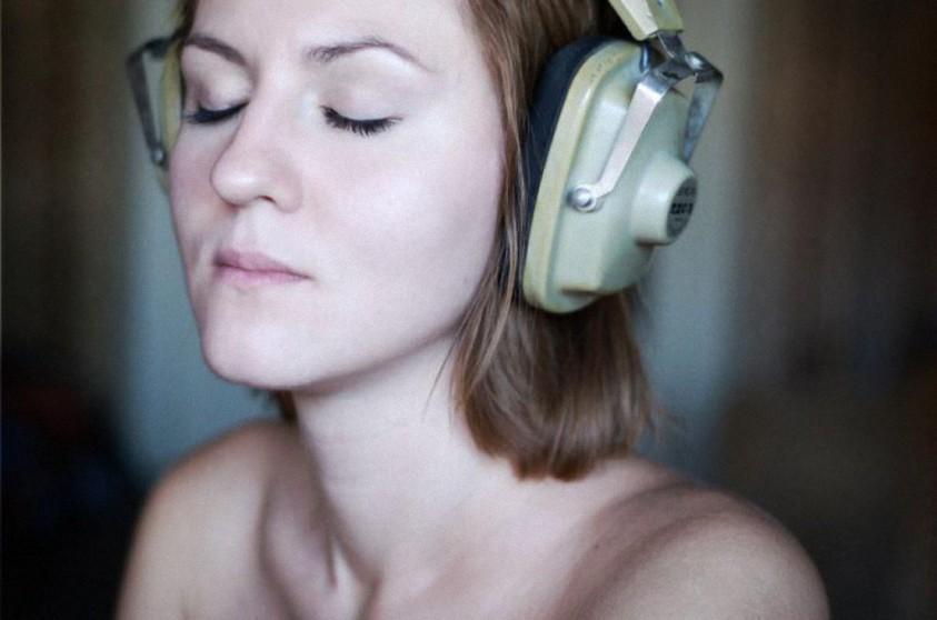 Neurocientíficos descubren canción que reduce la ansiedad un 65% al escucharla