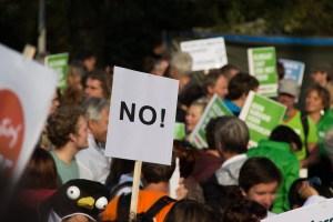 """""""La redacción me exige sangre"""": La BBC busca la """"injerencia rusa"""" en las protestas en Francia"""