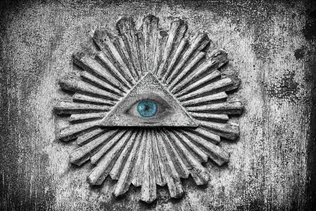 La fiesta illuminati de año nuevo 2019
