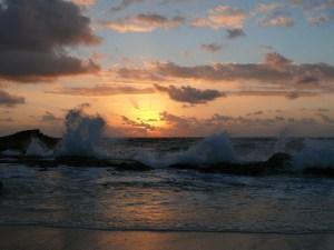 Extraño fenómeno: se aleja el mar de varias playas de México