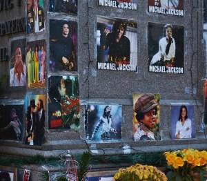 """Michael Jackson es inocente de las acusaciones de """"Leaving Neverland"""" según biógrafo"""