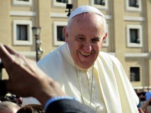Papa Francisco llama a crear un nuevo Gobierno Mundial