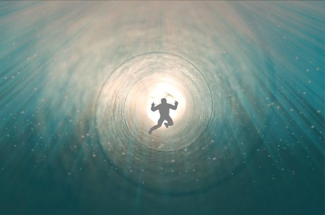 De salir del cuerpo a oír ángeles: Una de cada 10 personas tiene experiencias cercanas a la muerte