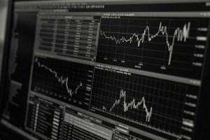 Wall Street entra en pánico y el Dow Jones se derrumba