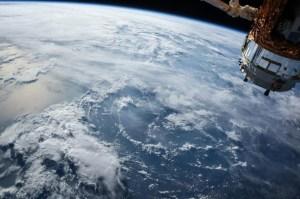 La ESA desvía satélite por riesgo de colisión con objeto desconocido
