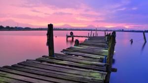 Un lago creado por un meteorito en la India asombra a los científicos al volverse rosado